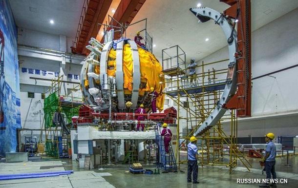 """Китай запустил термоядерное """"искусственное солнце"""""""